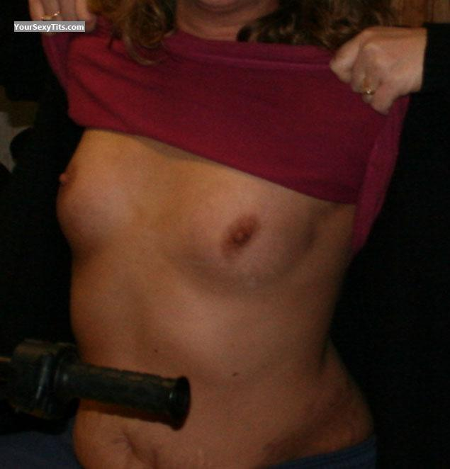 Tit Flash: Very Small Tits - Kb from United States