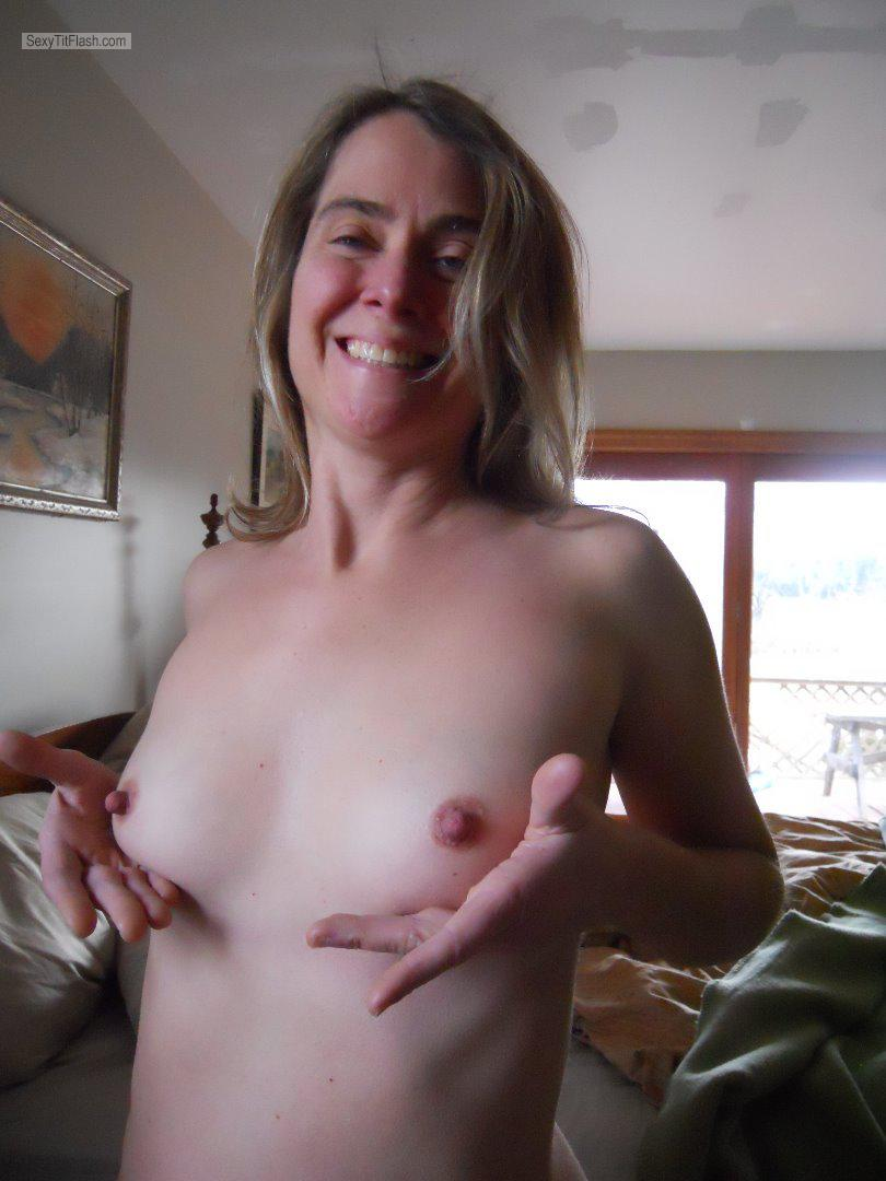 Very small Tits Of My Wife Topless Kelly