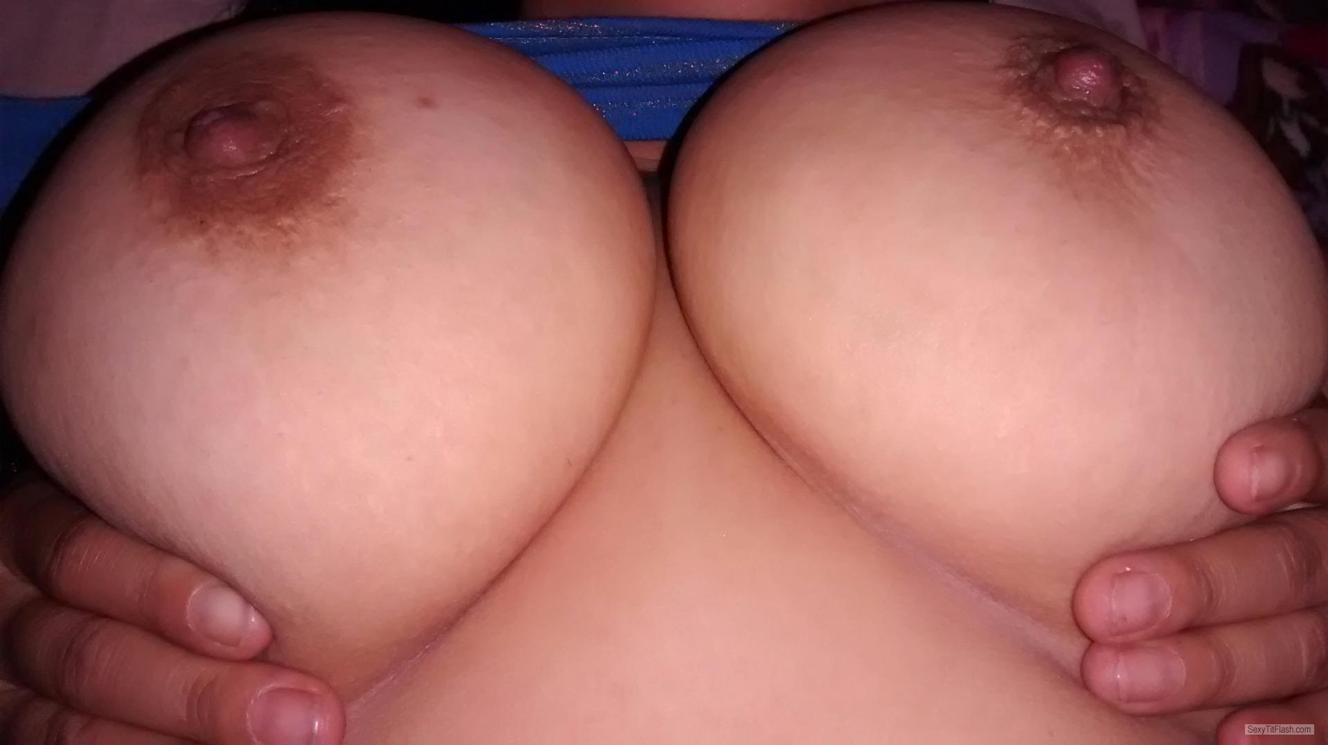 Tit Flash: Girlfriend's Very Small Tits - Topless My GF DDD's from United States