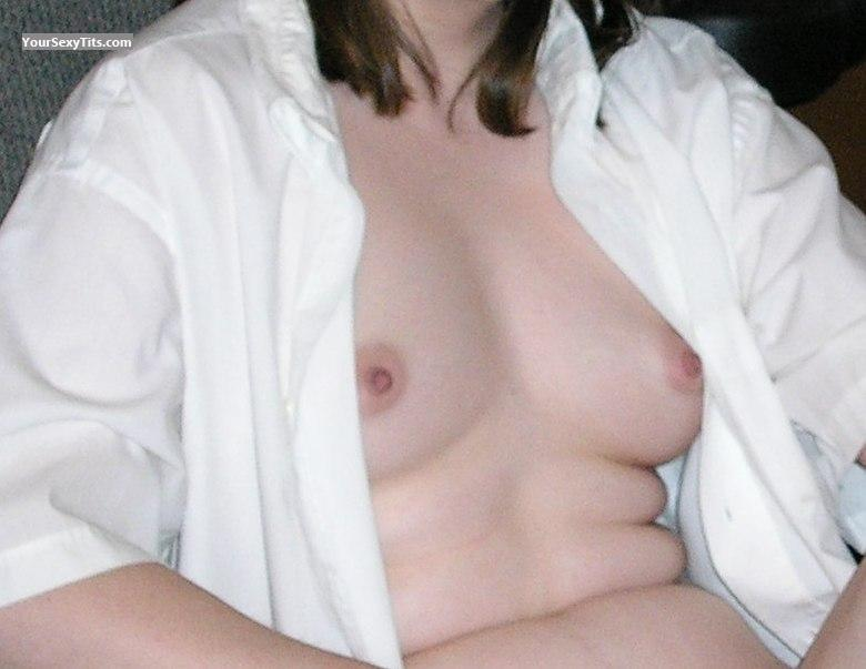 Tit Flash: Very Small Tits - Anna from United States